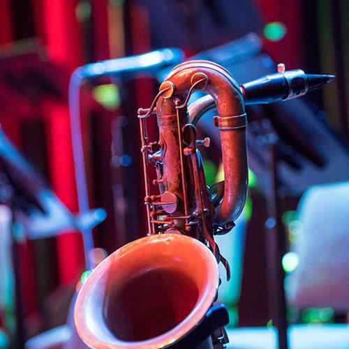 bg-saxophone